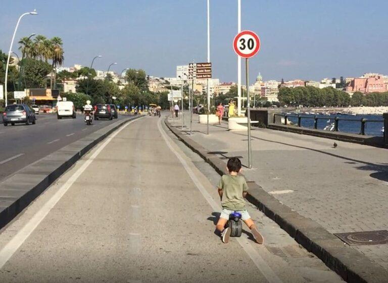 Città sotto scacco napoli mobilità